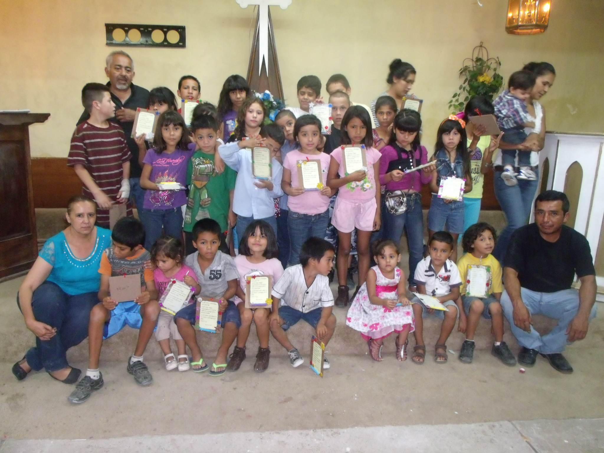 V.B.S. at Rey de Reyes church in Nogales Sonora, Mexico. Pastor Flores says that these children are in need of basic school supplies for this school year.